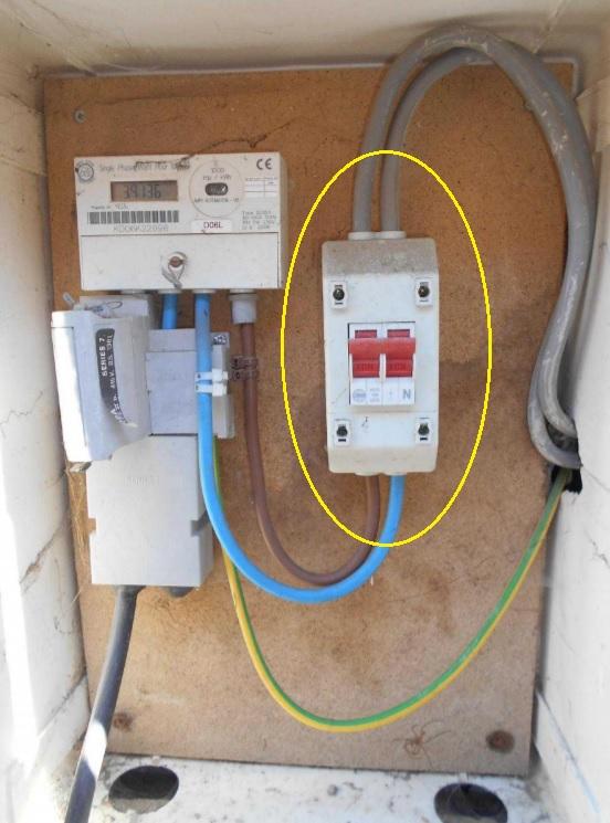 checking condition of supply isolator distributors isolator